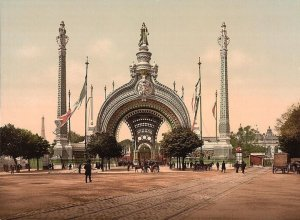 Grand Entrance, 1900 Paris International Exposition.  Courtesy of http://www.paris-in-photos.com