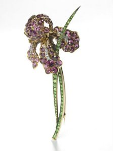 Tiffany & Co. (American, 1837-present), Paulding Farnham (American, 1859-1927), designer.  Iris Brooch.  Pink tourmalines, green garnets, platinum, c. 1900-1901.  Primavera Gallery, NY.  Photo:  Howard Agriesti, the Cleveland Museum of Art.