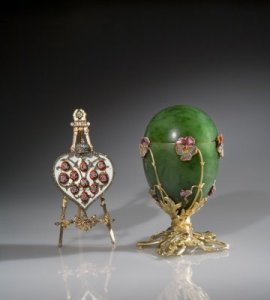 House of Fabergé (Russian, 1846-1929). Mikhail Perkhin (Russian, 1860-1903) designer. Imperial Pansy Egg. Nephrite, silver-gilt, enamel and rose-cut diamonds, 1899. Private collection. Photo: © Judith Cooper.