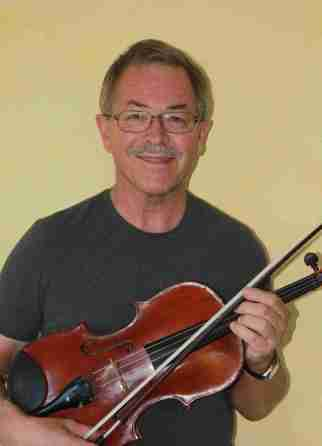 Cotati resident Wayne Roden has played viola in the San Francisco Symphony since 1974.  He will perform with SFS on Thursday, December 6, 2012  at Weill Hall.