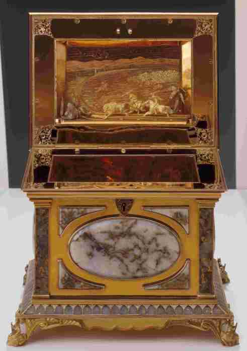 This Gold Rush-era quartz and gold jewelry box (7 x 9 x 7 inches, ca 1869-78) was stolen from the Oakland Museum's permanent collection on January 9, 2013.  It was made by San Francisco goldsmith A. Andrews and is signed.  Photo: courtesy OMCA