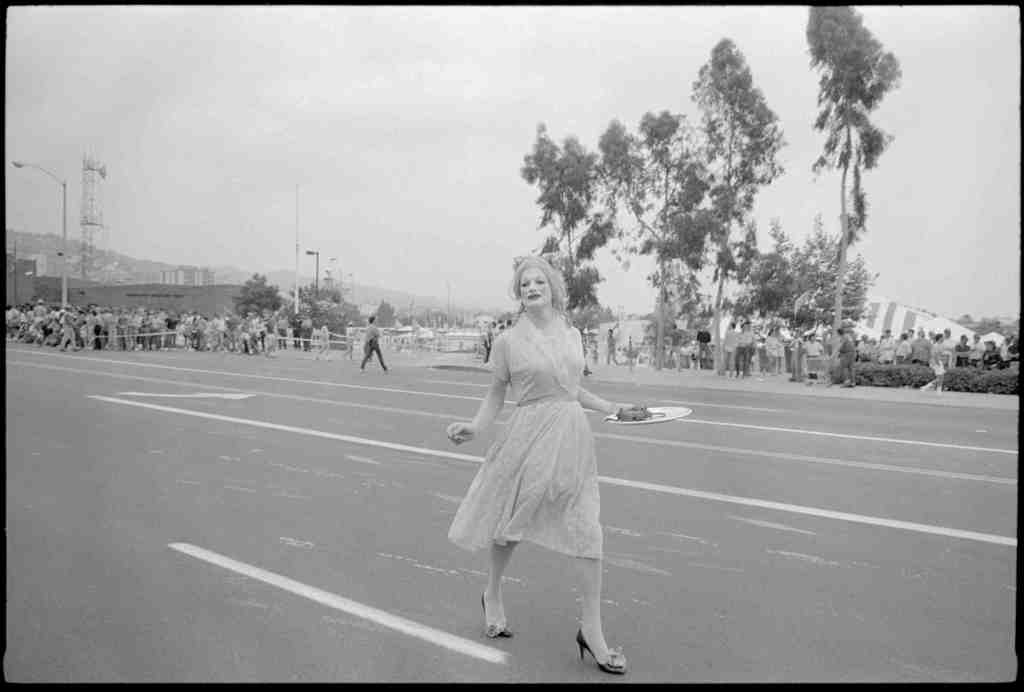 Newly printed for this exhibition, rarely if ever seen before. Winogrand, Los Angeles, 1983; posthumous digital reproduction from original negative; Garry Winogrand Archive, Center for Creative Photography, University of Arizona; © The Estate of Garry Winogrand, courtesy Fraenkel Gallery, San Francisco
