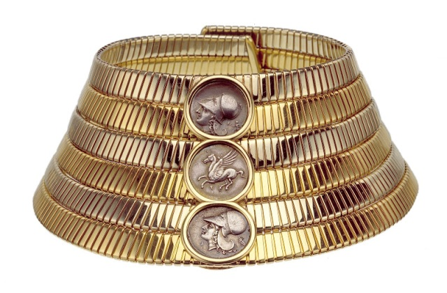 """Tubogas"" choker, 1974, two-color gold with Greek silver coins, 27.5 x 7 cm, Bulgari Heritage Collection, inv. 404 N607. © Antonio Barrella Studio Orizzonte"