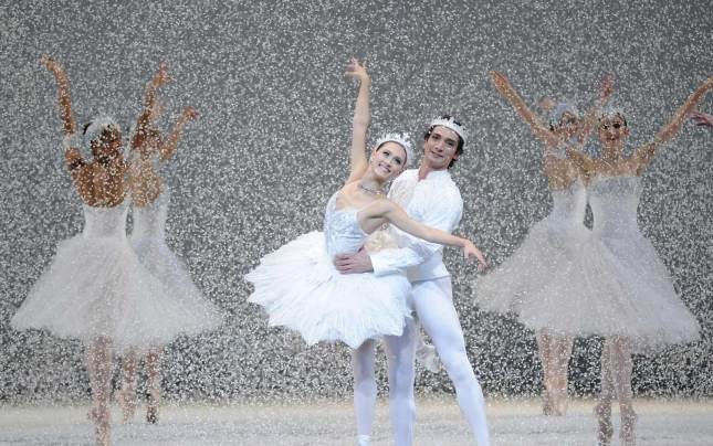 "Dancers perform in a snowstorm on stage in Tomasson's ""Nutcracker,"" at San Francisco Ballet December 11- 29, 2013. © Erik Tomasson"