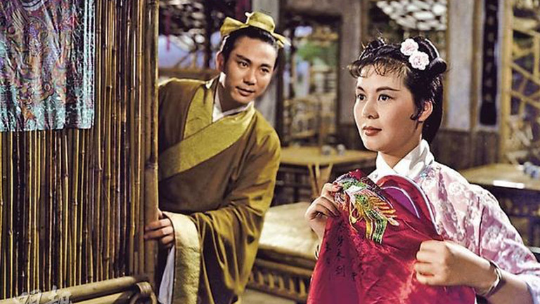 """Set in imperial China, Chinese director Li Han-hsiang's dazzling musical drama """"The Kingdom and the Beauty"""" (1959) consolidated the Chinese operetta's popularity in Hong Kong.  When  restless Chinese emperor (Chao Lei) disguises himself as a commoner and takes a stroll, he falls in love with a country peasant (movie queen Lin Dai) and promises to marry her after spending one night together—only for their budding romance to be abruptly curtailed. The film is part of a three film tribute at Chinatown's Great Star Theater to Hong Kong entertainment and media mogul Run Run Shaw."""