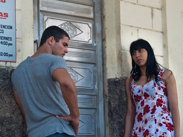 "Cuban actors Armando Miguel Gómez and Yuliet Cruz are a couple impacted by the closure of the sugar mill in Carlos Lechuga's first feature, ""Melaza,"" screening twice at SIFF 17."
