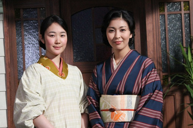 """Japanese actress Haru Kuroki (left) won the Silver Bear for Best Actress at the 64th Berlinale for her performance in Yoji Yamada's """"The Little House"""" (2014).  Adapted from an award-winning novel, the period romance follows Kuroki's character, a housemaid, through the war as she watches a secret relationship develop between her elegant employer (Takako Matsu, right ) and a young artist.  Image: courtesy MVFF"""