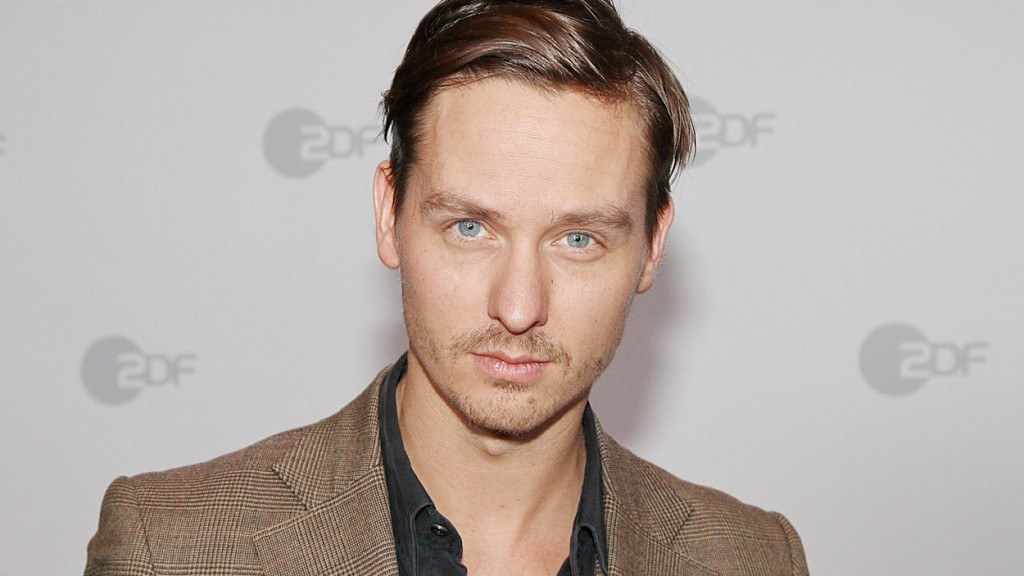 "The 20th Berlin & Beyond Film Festival, January 14-20, 2016, celebrates the on-going career achievement of Berliner Tom Schilling by honoring him with a Spotlight Award in Acting, and screening two of his most recent sensations: the blockbuster thriller ""Who Am I - No System is Safe"" (2014) on Opening Night and the 6-time German Film Award winner, the wry comedy, A Coffee in Berlin (Oh Boy)(2012 on Saturday, January 16, 2016. Image: Berlin & Beyond"