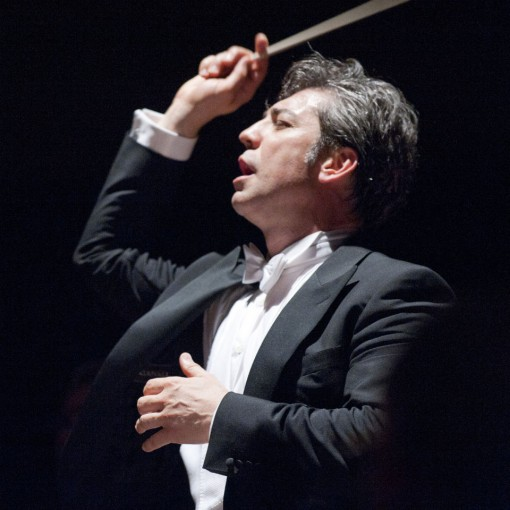 Maestro Nicola Luisotti during a SFO performance. Photo: Terrence McCarthy, SFO